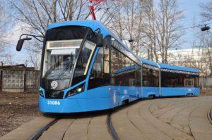 71-931 «Витязь» — сочленённый шестиосный трамвайный вагон с полностью низким уровнем пола